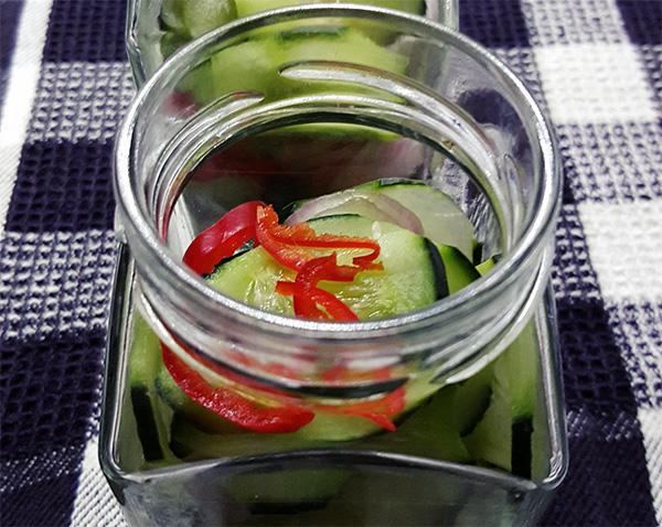 Zoetzuur ingelegde komkommer