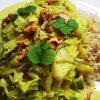 Curry met kool, paprika, ananas en cashewnoten