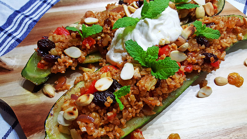 Gevulde courgette bootjes met bulgur | Gewoon een foodblog!