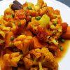 Aloo Gobi Matar met zoete aardappel