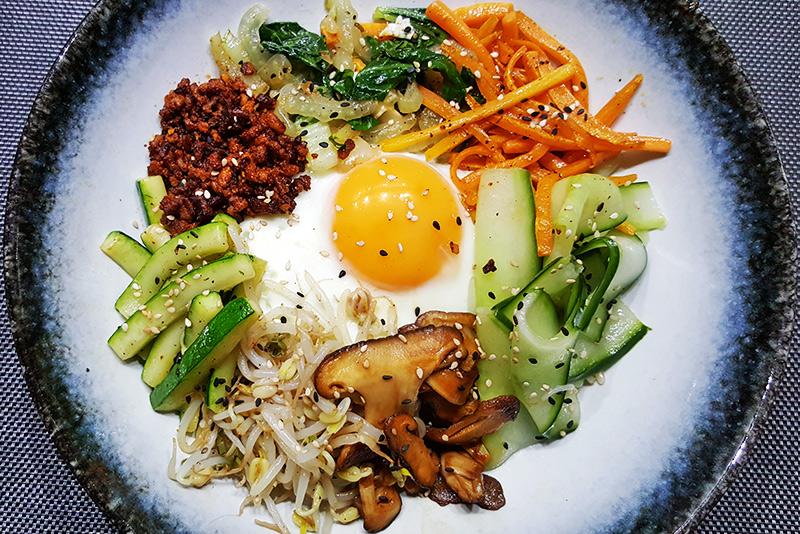 Bibimbap (Koreaanse gemengde rijst)