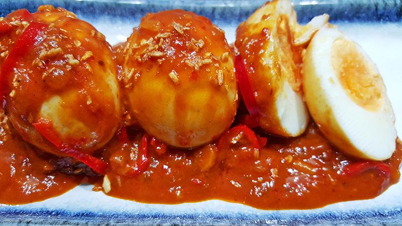 Sambal Goreng Telor (Pittige eieren) | Gewoon een foodblog!