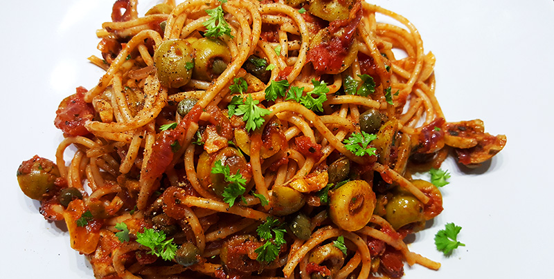 Spaghetti alla Puttanesca | Gewoon een foodblog!