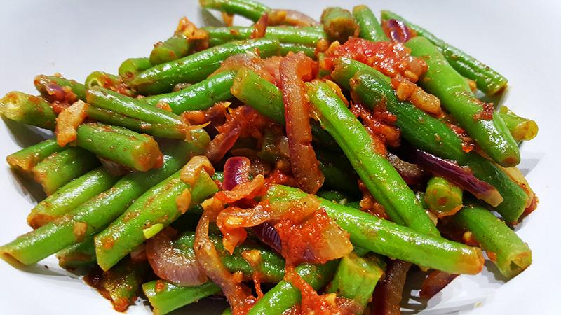 Kruidige sperziebonen met tomaat | Gewoon een foodblog!
