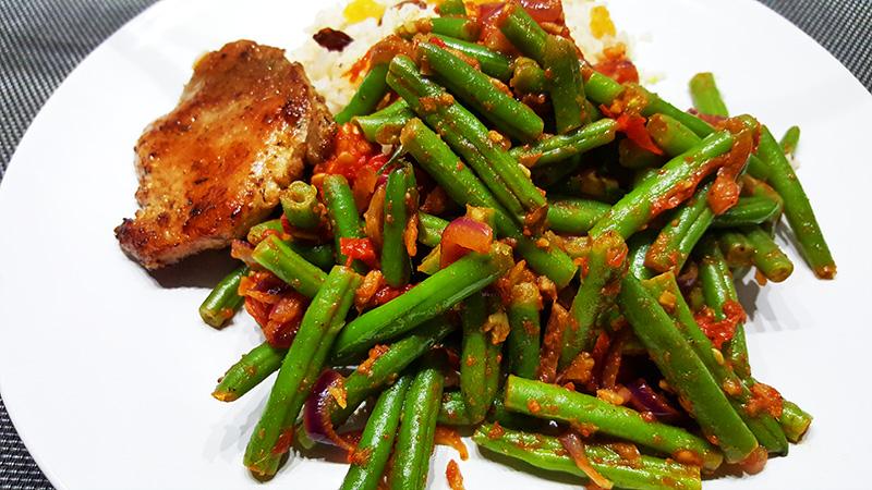 Kruidige sperziebonen met tomaat | Filetlapje | Gewoon een foodblog!