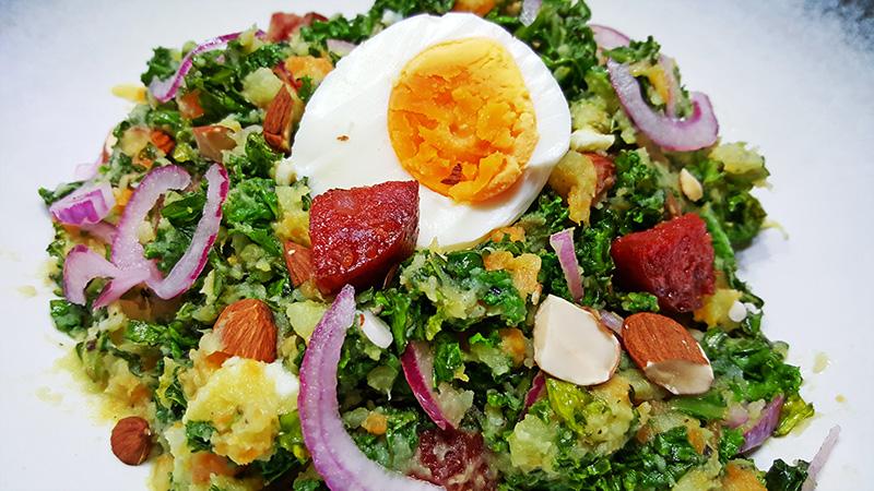Boerenkoolstamppot met zoete aardappel, wortel en chorizo | Gewoon een foodblog!