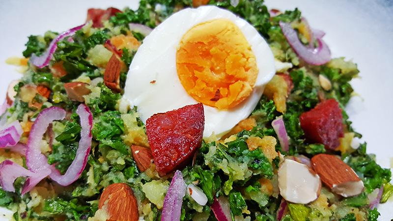 Boerenkool met zoete aardappel, wortel en chorizo | Gewoon een foodblog!