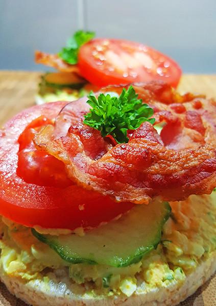 Eiersalade op rijstwafel | Gewoon een foodblog!