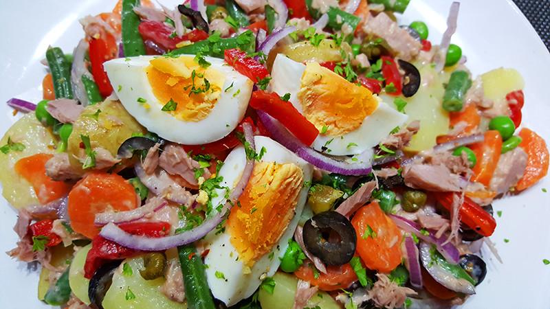 Ensaladilla Rusa (Russische Salade op Spaanse wijze) | Gewoon een foodblog!
