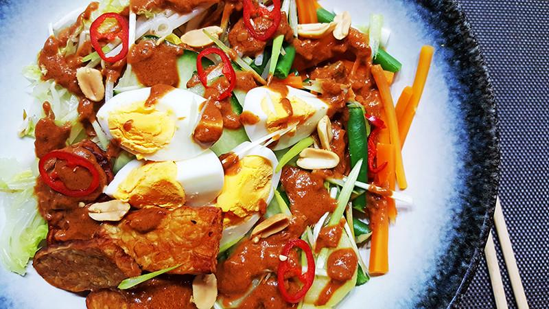 Indonesische Gado Gado met pindasaus | Gewoon Een Foodblog