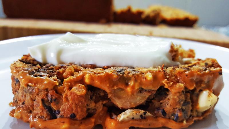 Plakje Havermout Bananenbrood met Pindakaas en Chocolade   Gewoon een foodblog!