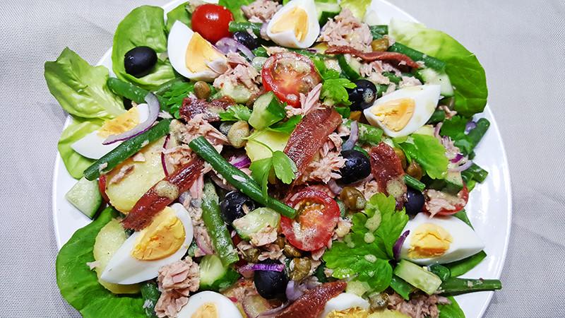 Salade Niçoise recept | Gewoon Een Foodblog!