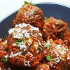 Gehaktballetjes met pittige tomatensaus