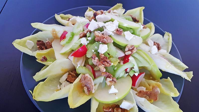 Witlofsalade met appel, walnoten en feta | Gewoon een foodblog
