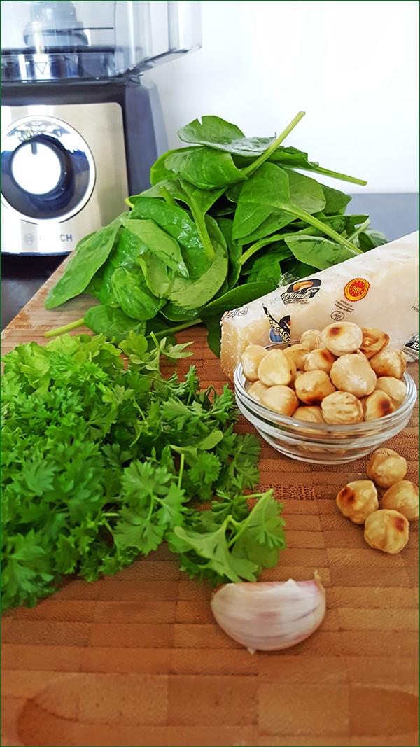 Ingrediënten spinazie pesto | Gewooneenfoodblog.nl