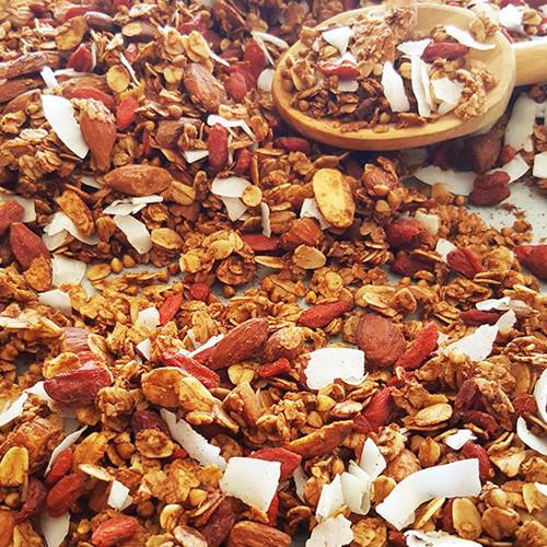 Boekweit granola met goji bessen en kokos