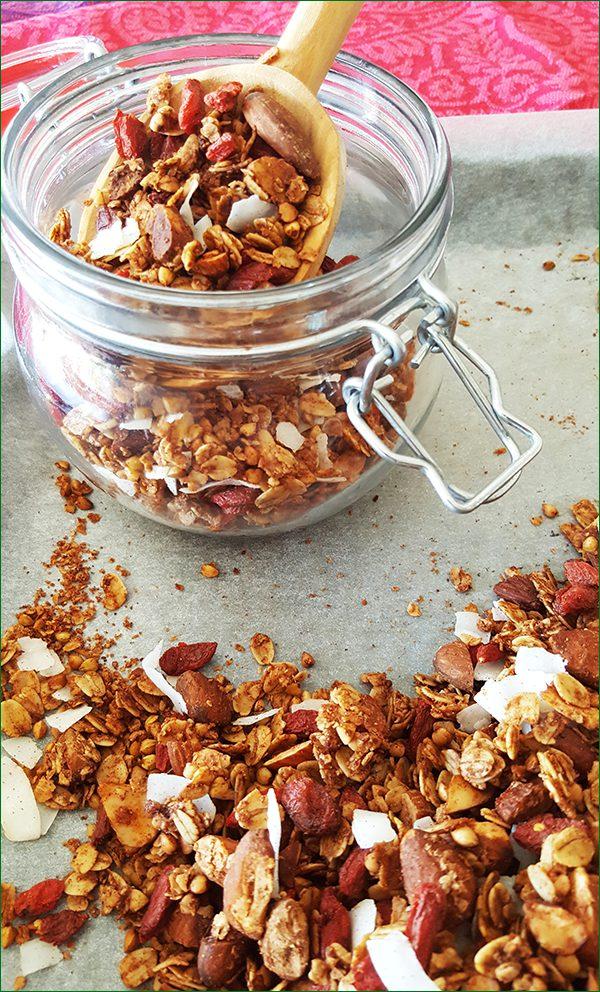 Boekweit granola met goji bessen en kokos bewaren   Gewooneenfoodblog.nl