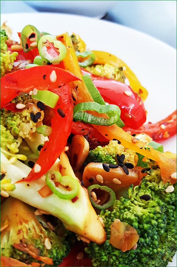 Broccoli en paprika uit de wok | Gewoon een foodblog!