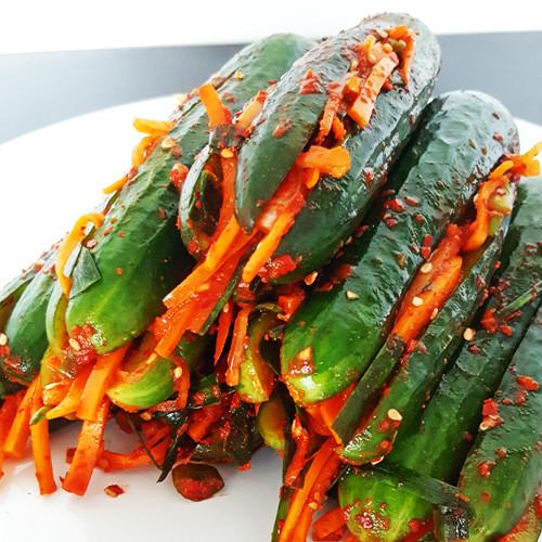 Gevulde komkommer kimchi (Oi-Sobagi)