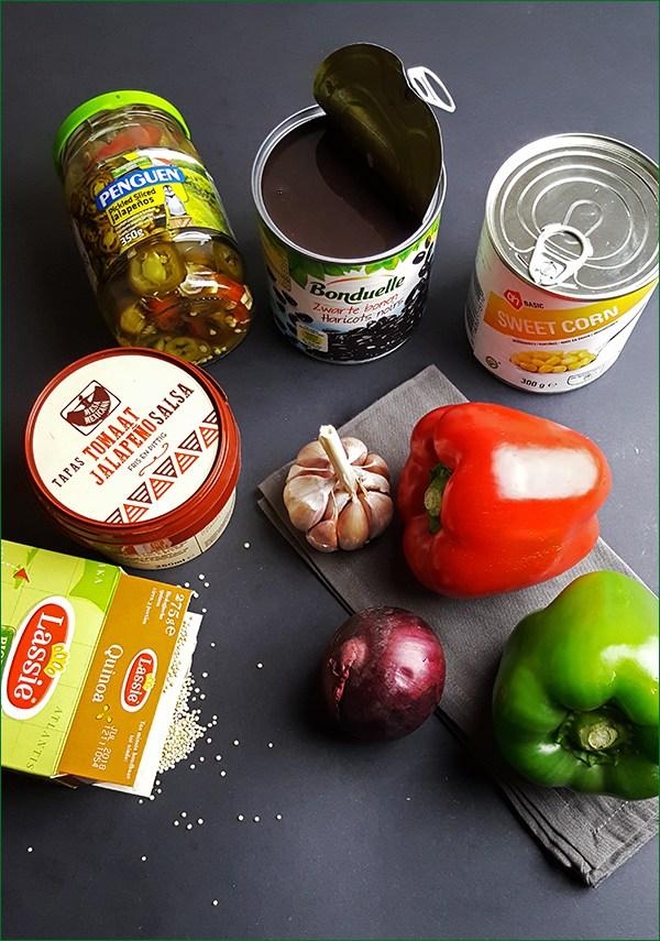 Ingrediënten gevulde paprika's met quinoa en zwarte bonen | Gewoon een foodblog!