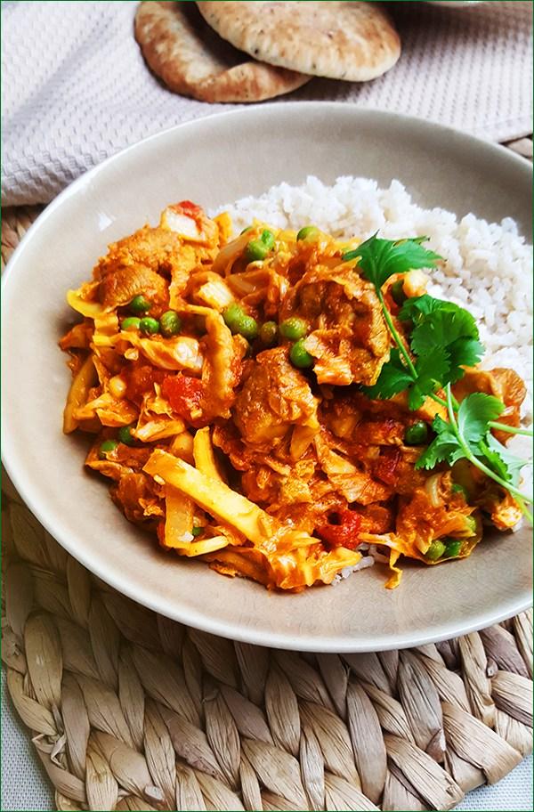 Milde curry met kip, Chinese kool, doperwten en yoghurt | Gewoon een foodblog!