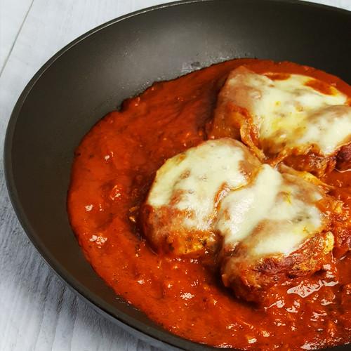 Kip met mozzarella en tomatensaus