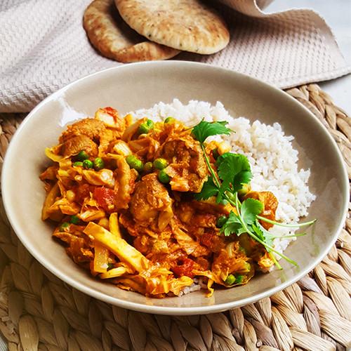 Milde curry met kip, Chinese kool en yoghurt