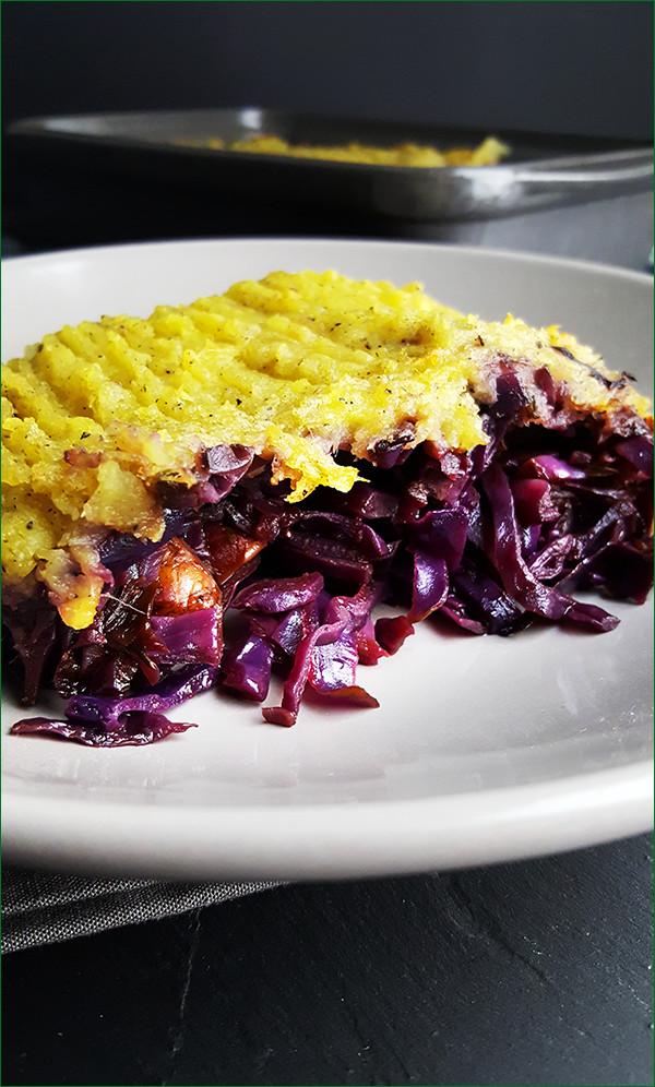 Rode kool ovenschotel met zoete aardappelen en hamlappen | Gewoon een foodblog!