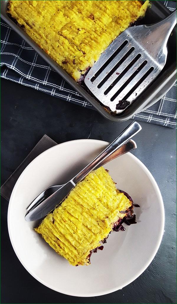 Ovenschotel met rode kool, zoete aardappelen en hamlappen | Gewooneenfoodblog.nl