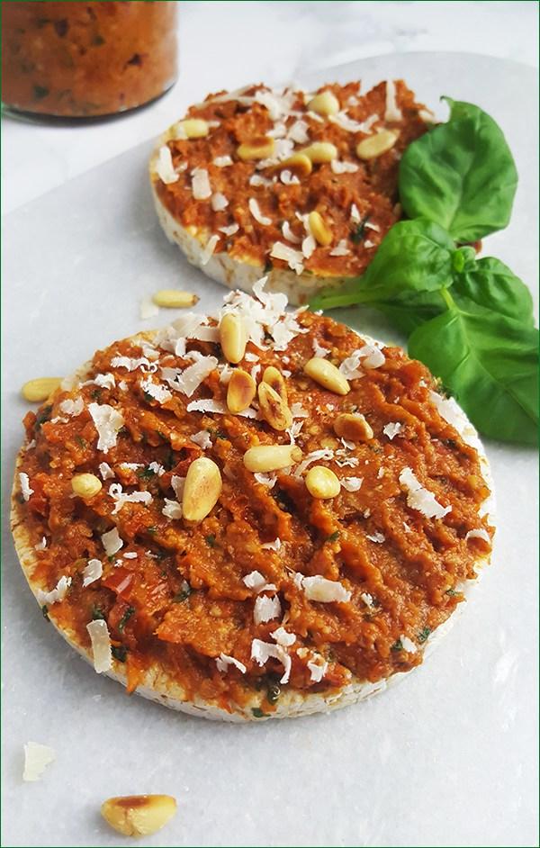 Rode pesto van zongedroogde tomaten | Gewoon een foodblog!
