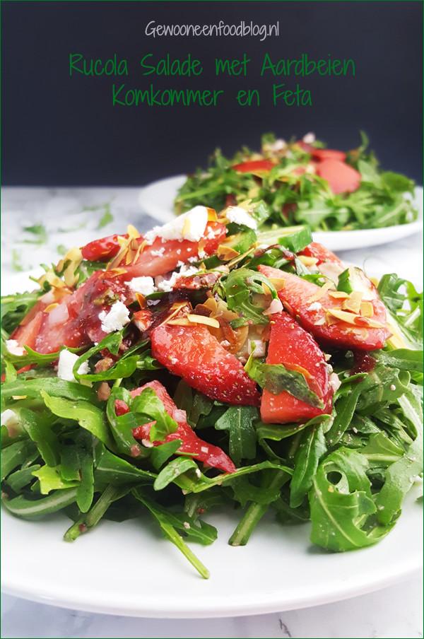 Salade met rucola, komkommer, feta en aardbei | Gewooneenfoodblog.nl