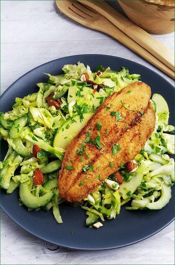 Spitskoolsalade met vis | Gewooneenfoodblog.nl