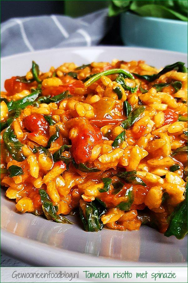 Tomaten risotto met spinazie | Gewooneenfoodblog.nl
