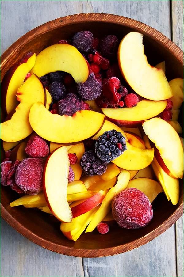 Crumble maken met nectarines en zomerfruit | Gewooneenfoodblog.nl