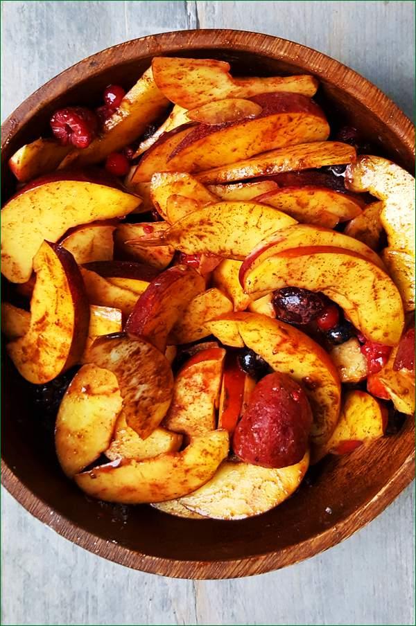 Crumble maken met nectarines en zomerfruit | Gewoon een foodblog!