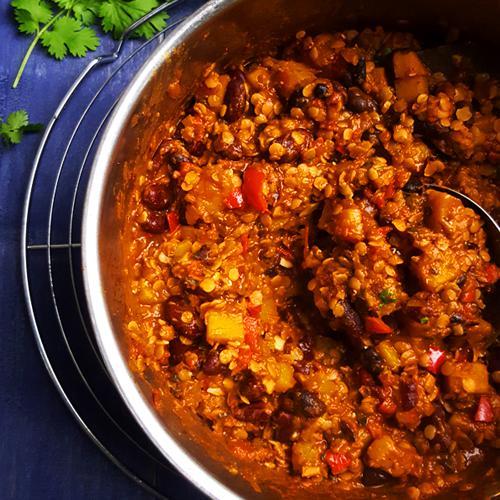 Flespompoen chili met bonen en linzen | Gewooneenfoodblog.nl