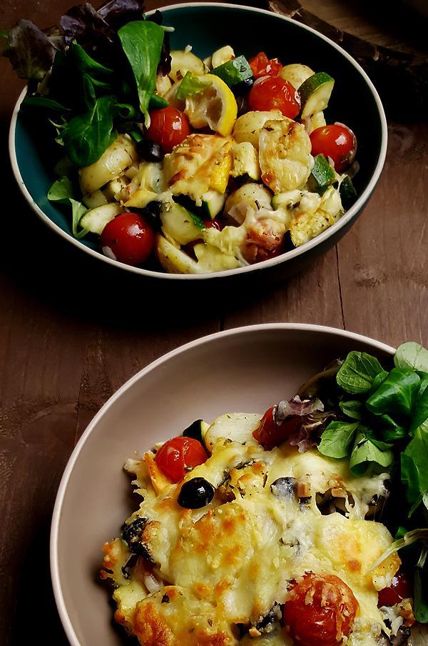 Mediterrane courgette gratin met krieltjes, en cherrytomaatjes | Gewooneenfoodblog.nl