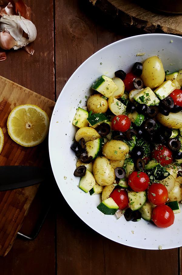 Ovenschotel met courgette, krieltjes en tomaatjes | Gewooneenfoodblog.nl