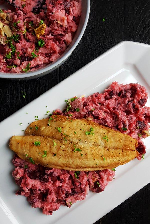 Rode bietenstamppot met knolselderij en mierikswortel | Gewooneenfoodblog.nl