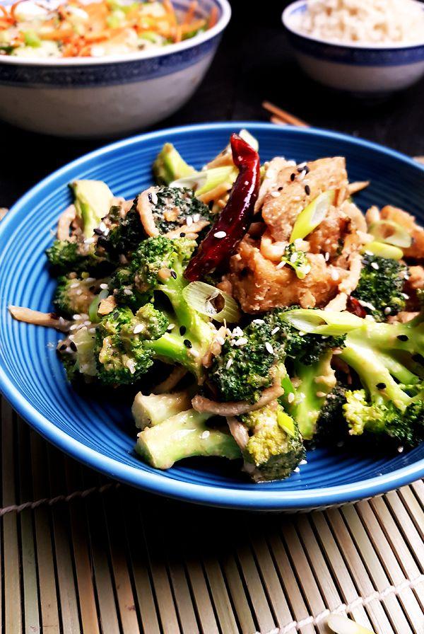 Tofu met broccoli, bamboescheuten en sesam-misosaus | Gewooneenfoodblog.nl