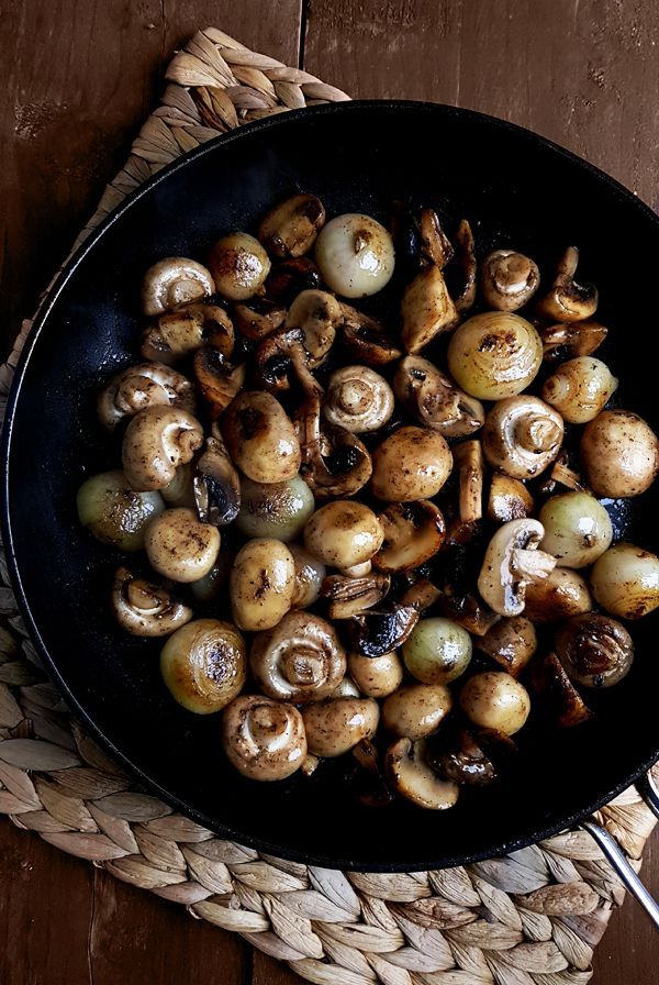 Sjalotjes en champignons bakken | Gewooneenfoodblog.nl