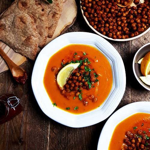 Flespompoensoep met paprika en geroosterde kikkererwten | Gewoon een foodblog!