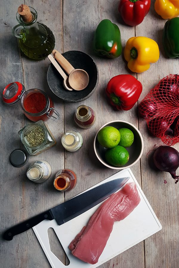 Ingrediënten van varkenshaas fajita met paprika | Gewooneenfoodblog.nl