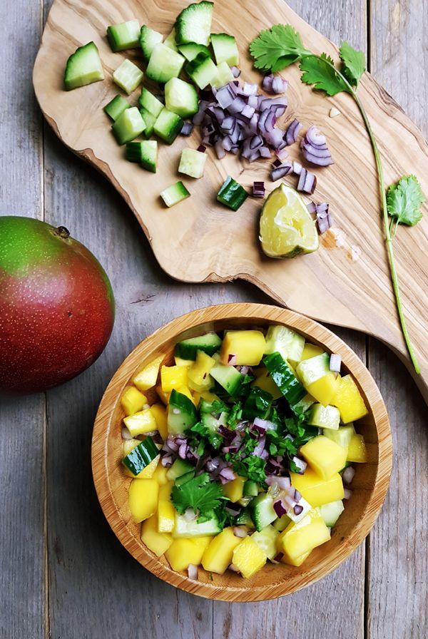 Simpele mango-komkommersalsa voor bij fajita's | Gewooneenfoodblog.nl
