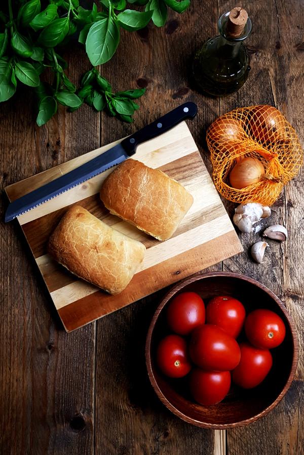 Ingrediënten voor soep met geroosterde tomaten | Gewooneenfoodblog.nl