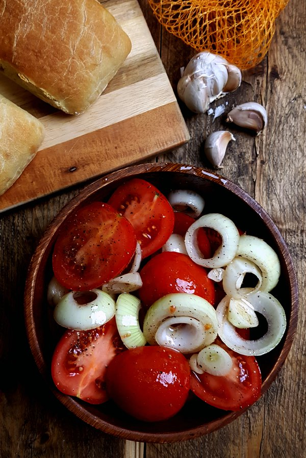 Soep van geroosterde tomaten maken | Gewooneenfoodblog.nl