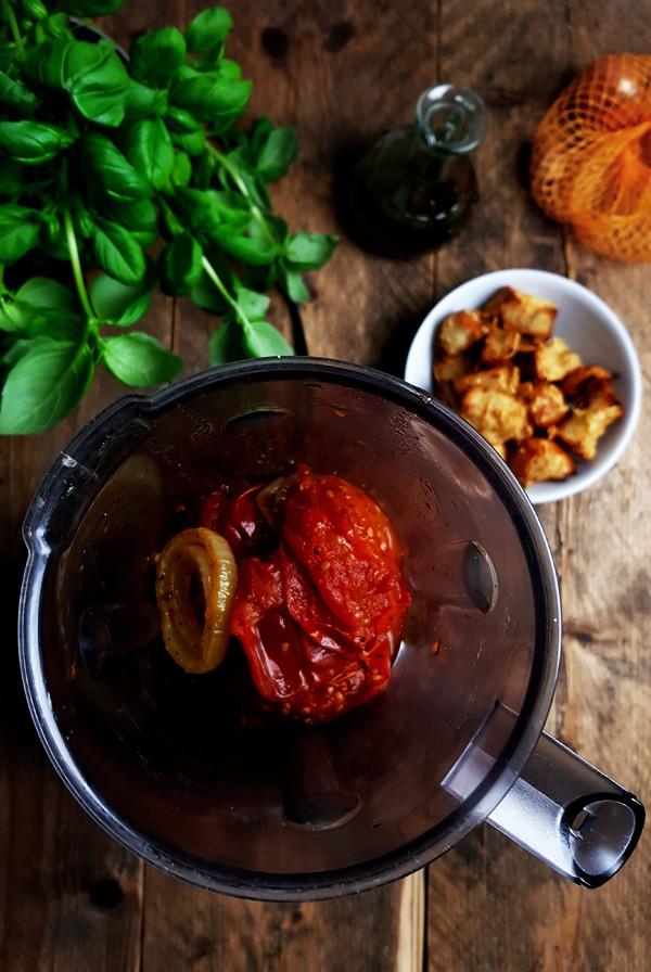 Geroosterde-tomatensoep maken | Gewooneenfoodblog.nl