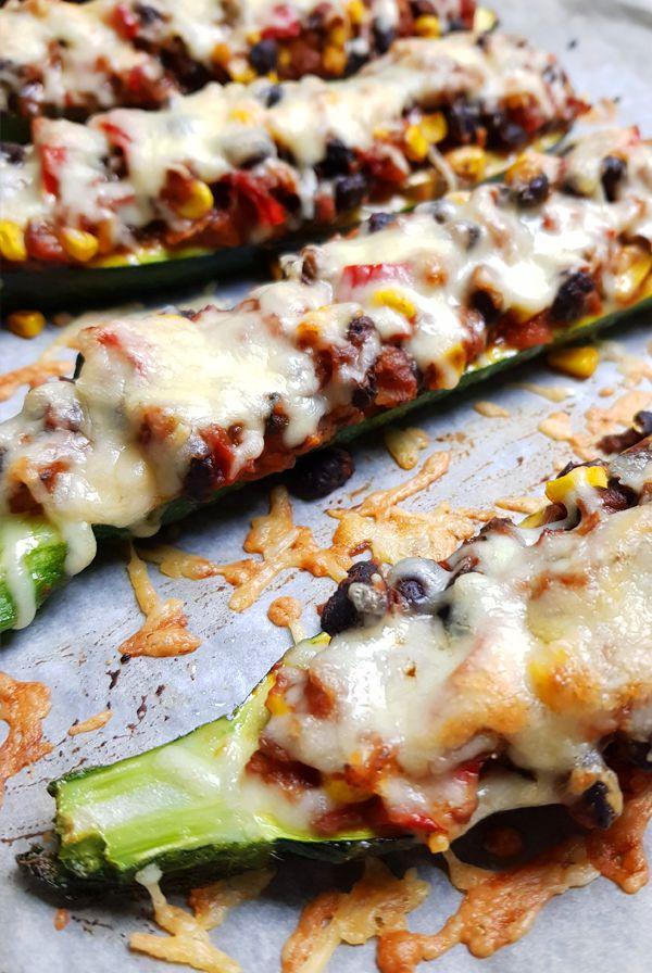 Vegetarische Mexicaanse gevulde courgette bootjes | Gewooneenfoodblog.nl