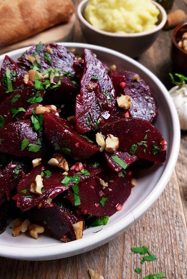 Griekse rode bietensalade maken | Gewooneenfoodblog.nl